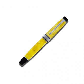 Aurora Optima Limited Edition 365 Yellow fountain pen
